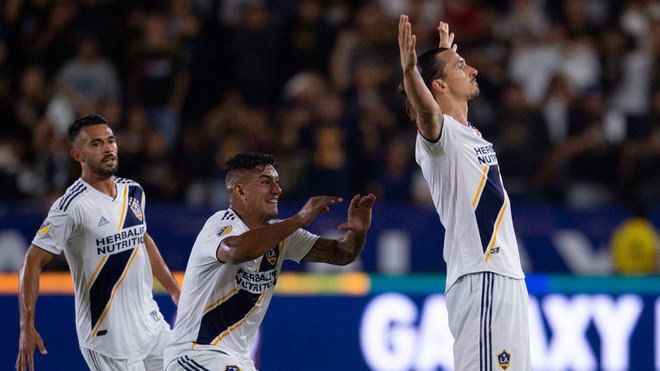 Zlatan brilló en Los Angeles.