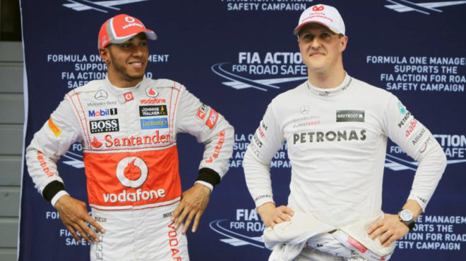 Lewis Hamilton y Michael Schumacher, en China 2012.