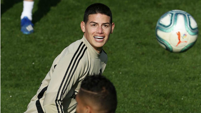 James, durante un entrenamiento con el Real Madrid