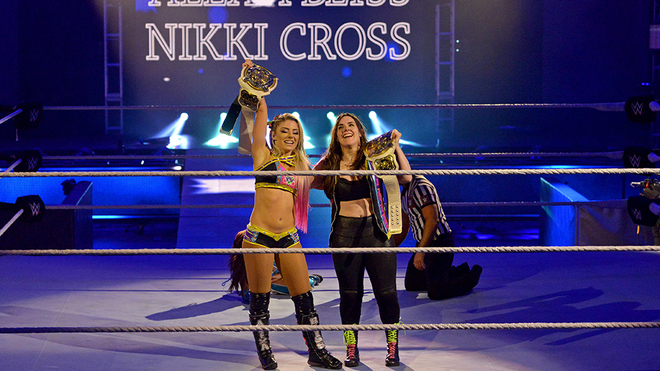 Alexa Bliss and Nikki Cross are the new champions of the couple.