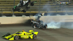 Colton Herta y Rinus Veekay viven terrible accidente.