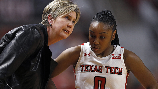 Texas Tech despide a Marlene Stollings.