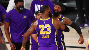 Los Angeles Lakers lideran las apuestas en la NBA.