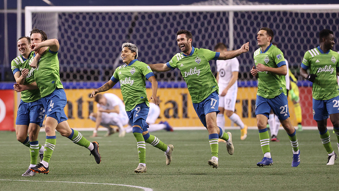 Seattle Sounders anota en los minutos finales y avanza a la final.