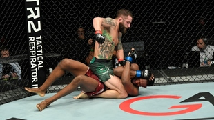 Michael Chiesa gana el UFC Fight Island 8 ante Neil Magny.
