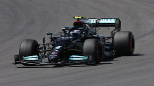 Bottas se lleva la pole position en Portugal.