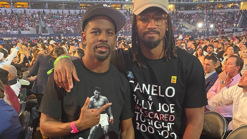 Demetrius Andrade's T-shirt in which he calls Canelo fearful and ...